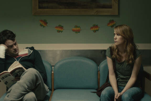 """""""SNL"""" alums Bill Hader and Kristen Wiig take a serious turn in """"The Skeleton Twins,"""" directed by Craig Johnson."""