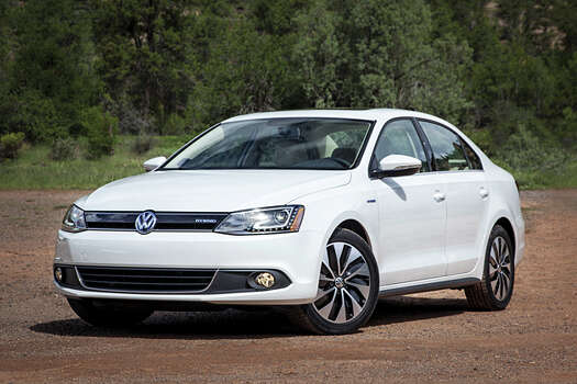 VW Jetta and PassatModel year being recalled: 2015Number of vehicles being recalled: 393Reason for recall: Unexpected movement of the driver's seat back when a bracket fails to engage correctly.