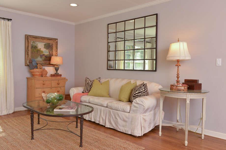 The main living room in the New Braunfels home of Cheryl Gordon. Photo: Robin Jerstad