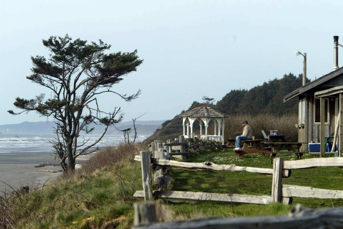 Kalaloch: The ocean pounds and roars even on