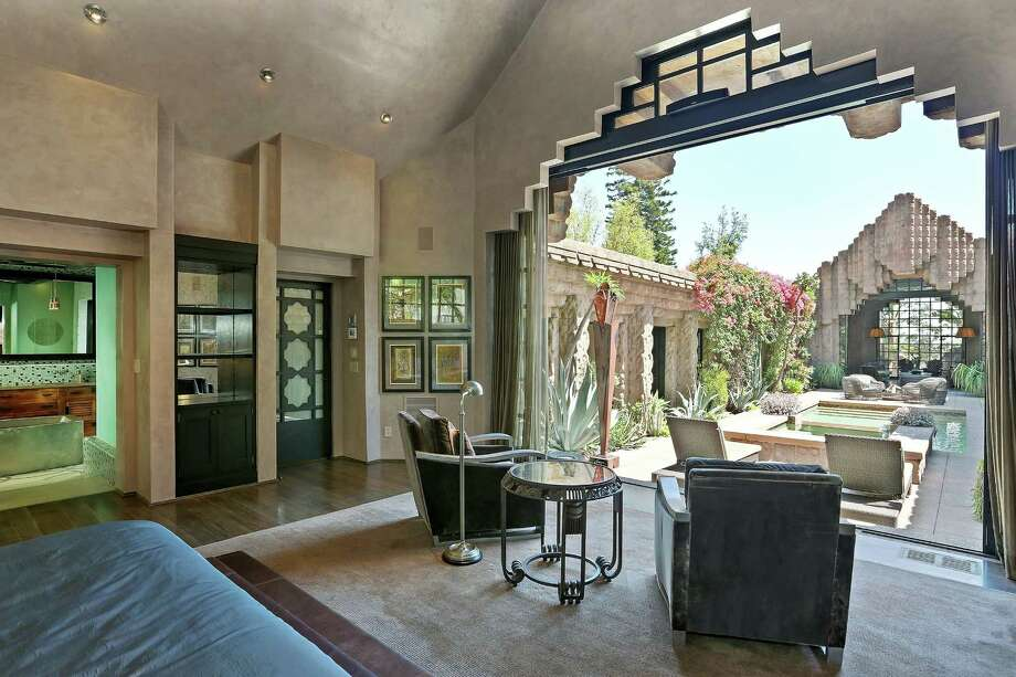 Lloyd Wright's Sowden House is back on the market in the Los Feliz neighborhood of Los Angeles at $4.875 million. (Charmaine David/Los Angeles Times/MCT) ORG XMIT: 1157573 Photo: Charmaine David / Los Angeles Times