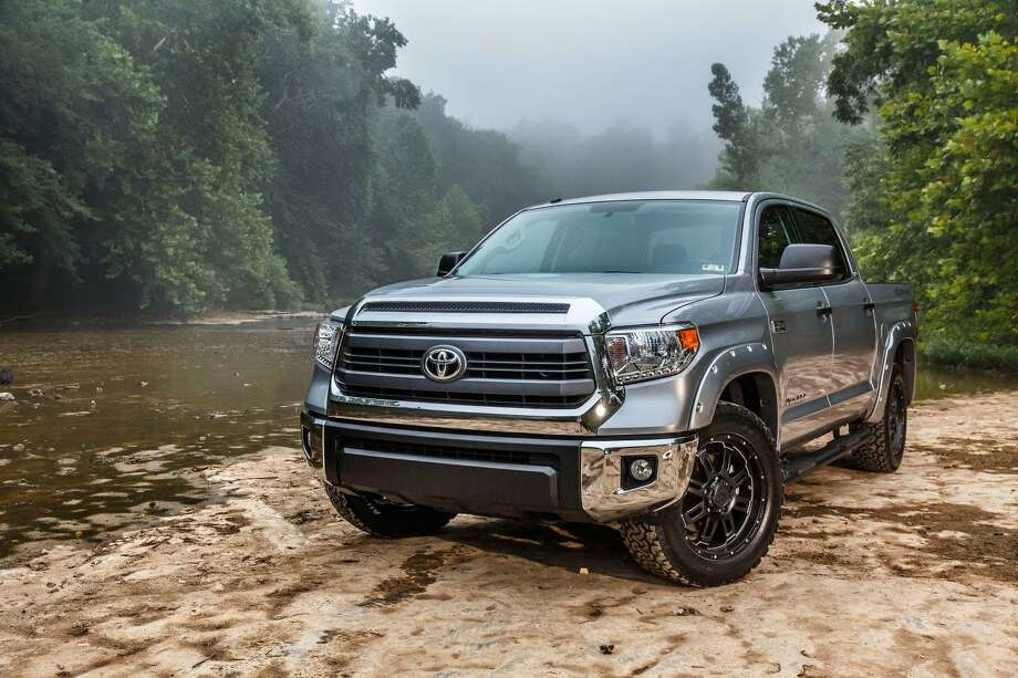 Here's a closer look at the newly unveiled 2015 Toyota Tundra Bass Pro Shops Off-Road Edition Photo: Newspress USA