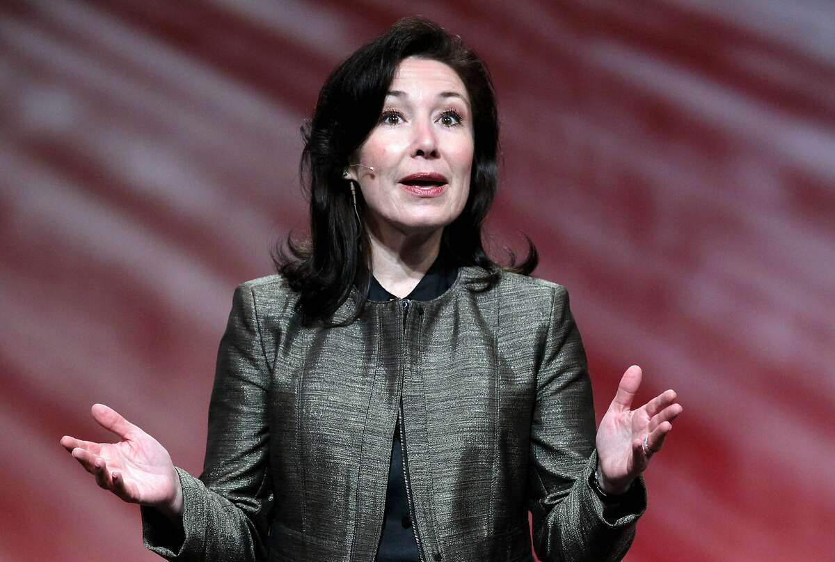 According to reports September 18, 2014, Larry Ellison, the CEO and co-founder of Oracle, is stepping down immediately. He will be replaced by will be replaced by Mark Hurd and Safra Catz (pictured).