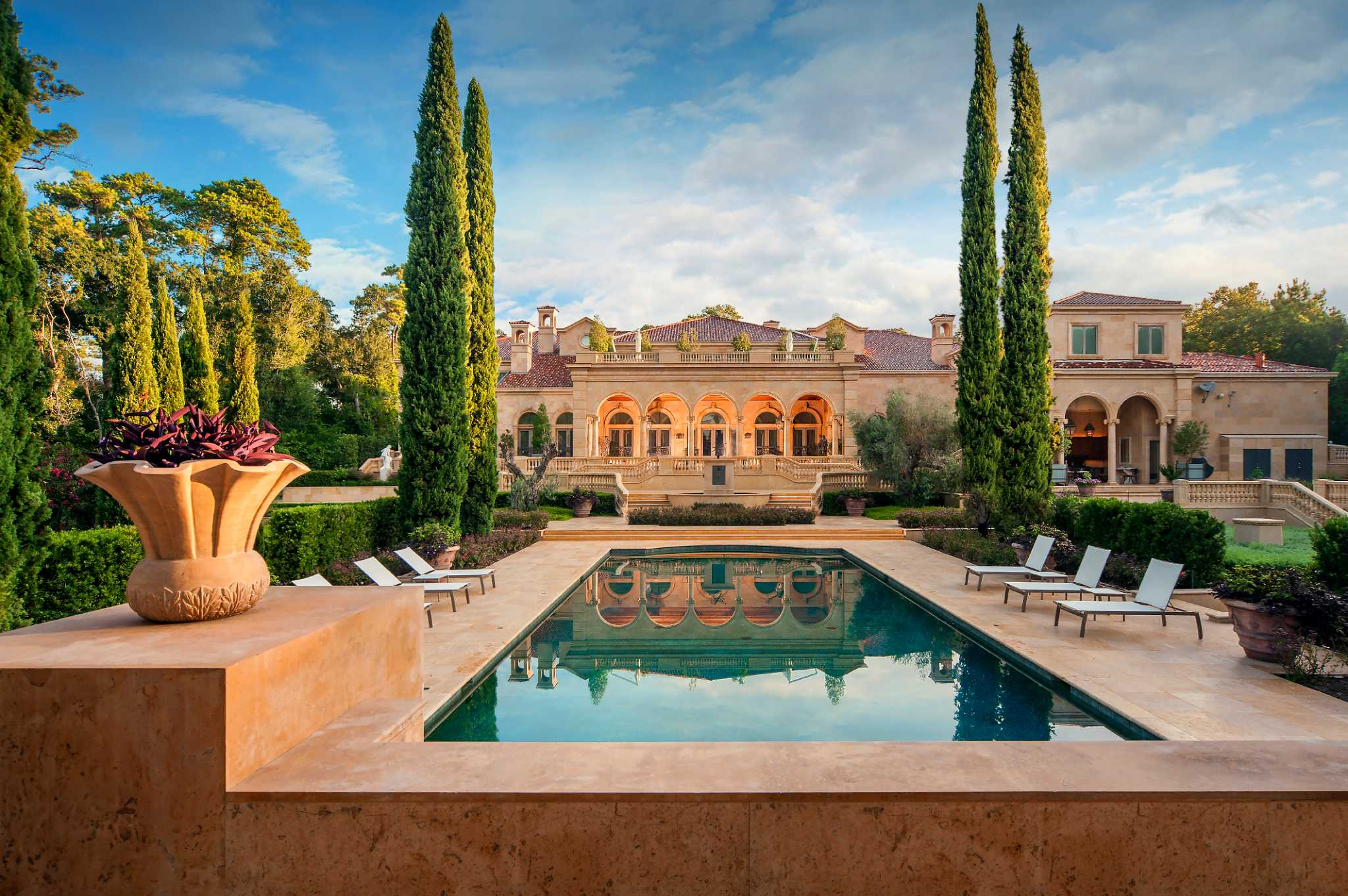 at 43 million mansion listing breaks houston record