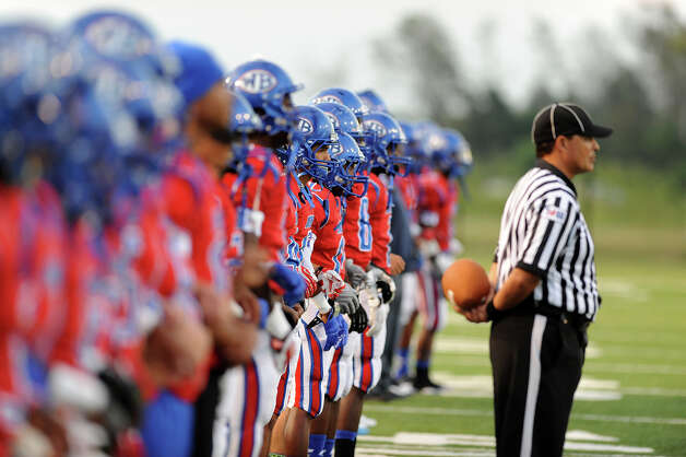 West Brook Bruin preapre to take the field during the match up against the North Shore Mustangs at the Carroll Thomas Stadium September 26, 2014. Photo by Drew Loker. Photo: Drew Loker / ©2014. www.DrewLoker.com