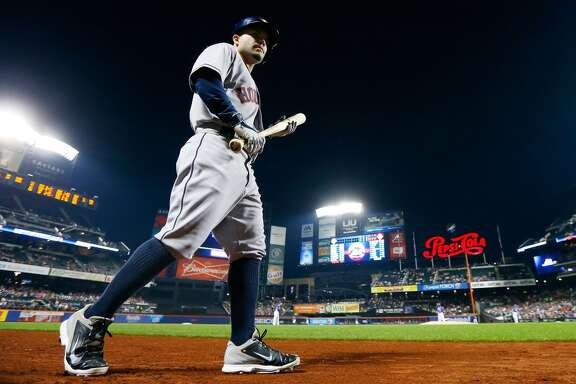 NEW YORK, NY - SEPTEMBER 27:  Jose Altuve #27 of the Houston Astros walks to the on-deck circle in the first inning against the New York Mets at Citi Field on September 27, 2014 in the Flushing neighborhood of the Queens borough of New York City.  (Photo by Jim McIsaac/Getty Images)