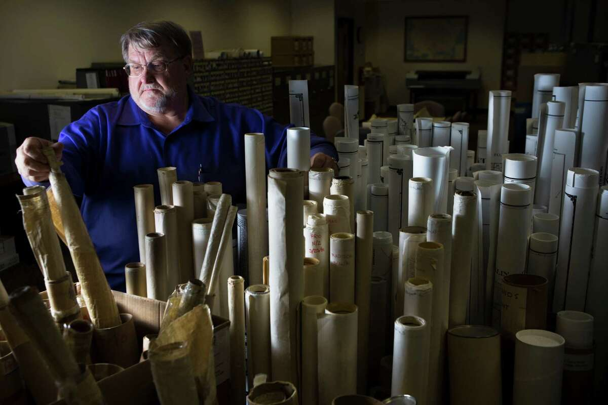David Craig Pearson, the Texas Railroad Commission's new seismologist, is giving serious attention to the state's earthquakes. study to. Friday, Sept. 26, 2014, in Austin. ( Marie D. De Jesus / Houston Chronicle )