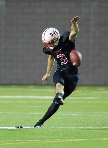Rensselaer's Andrew Franks (3) kicks off against Worcester during the first half of an NCCA football game on Saturday, Sept. 27, 2014, in Troy, N.Y. (Hans Pennink / Special to the Times Union) ORG XMIT: HP109 Photo: Hans Pennink / Hans Pennink