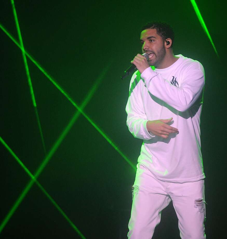 Drake vs Lil Wayne at the Cynthia Woods Mitchell Pavilion Saturday Sept. 27. Photo: Dave Rossman, For The Houston Chronicle