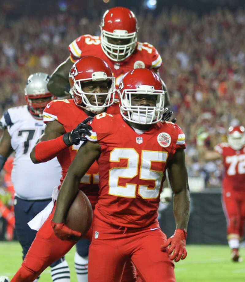 Chiefs running back Jamaal Charles (25) after one of his three TDs. Photo: Ed Zurga / Associated Press / FR34145 AP
