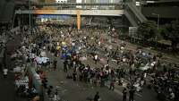 Hong Kong protesters threaten to occupy buildings - Photo