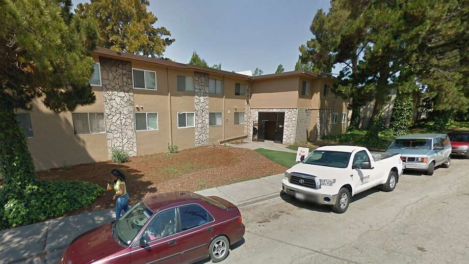 Oakland\'s worst housing complex taken over by a notorious gang - SFGate