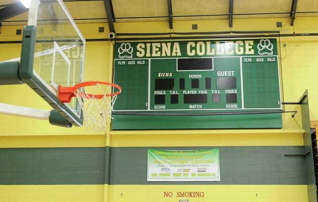 Scoreboard in the gym of the Athletic Recreation Center at Siena on Tuesday, Sept. 30, 2014 in Loudonville, N.Y. The college is talking about renovating the gym. (Lori Van Buren / Times Union) Photo: Lori Van Buren
