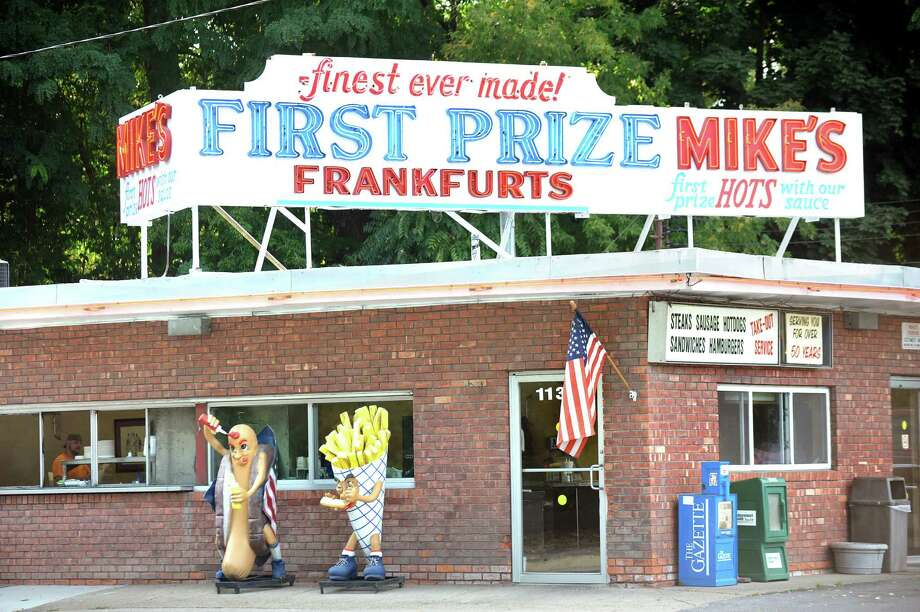 Mike's Hot Dogs on Tuesday, Sept. 30, 2014, in Schenectady, N.Y. (Cindy Schultz / Times Union) Photo: Cindy Schultz / 00028839A