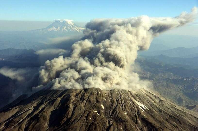 17 Volcanic Eruptions Mt Rainier Is The Region S Biggest