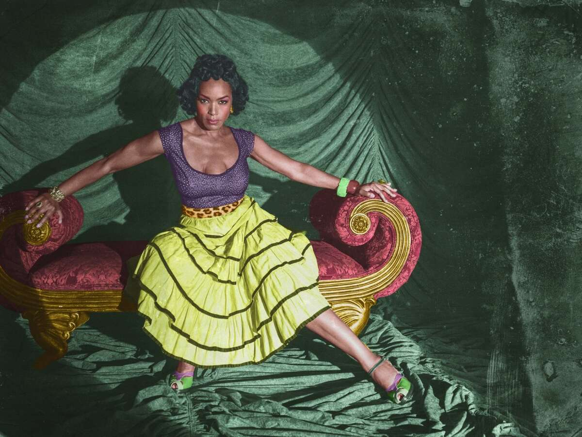 AMERICAN HORROR STORY: FREAK SHOW -- Pictured: Angela Bassett as Deiree Dupree. CR: Frank Ockenfels/FX