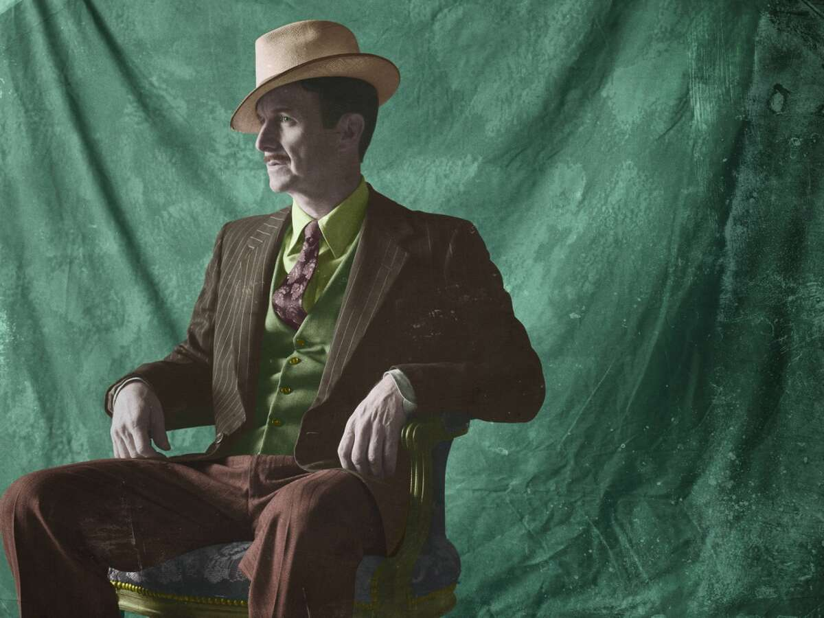 AMERICAN HORROR STORY: FREAK SHOW -- Pictured: Denis O'Hare as Stanley. CR: Frank Ockenfels/FX