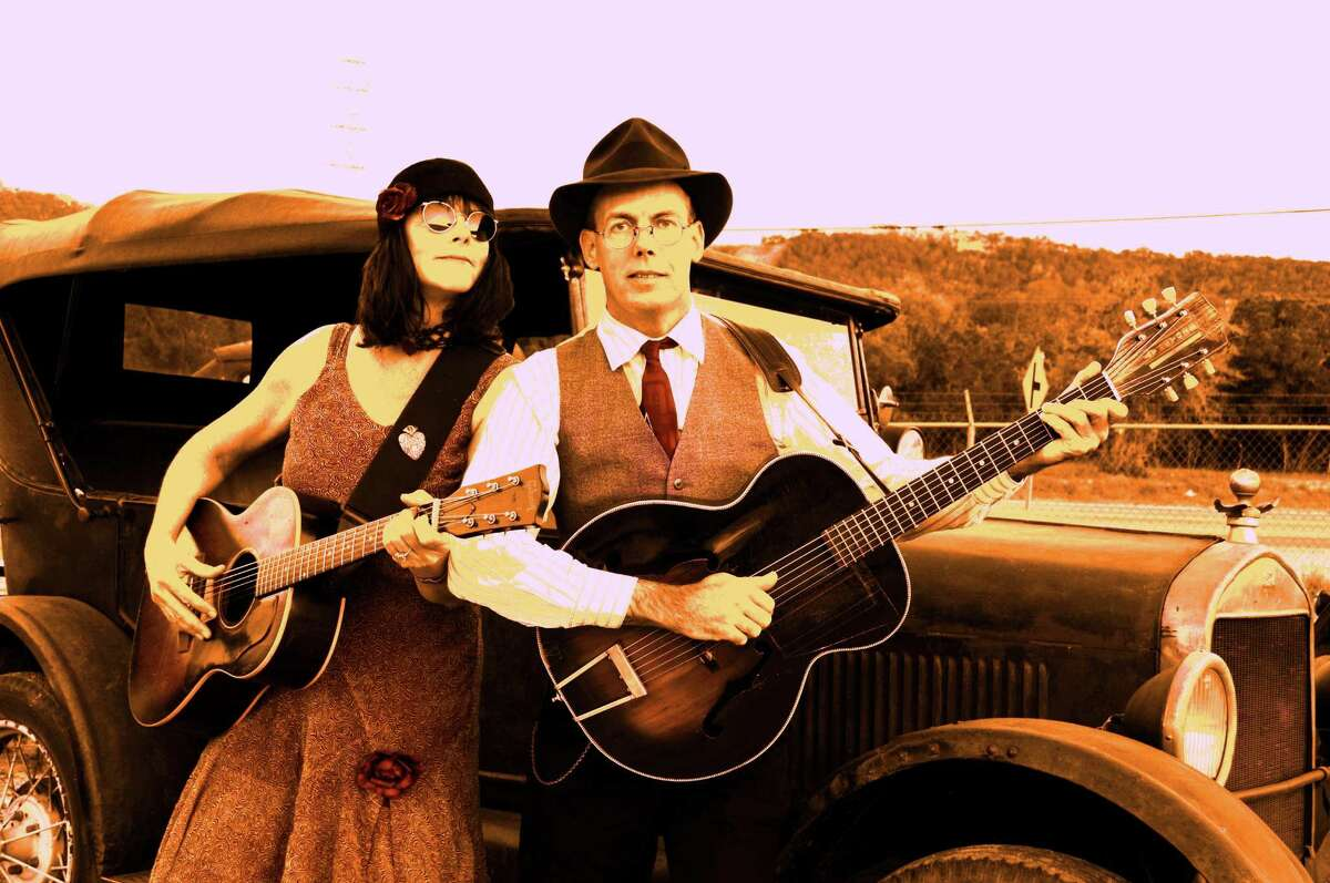 Maria Moss and Jon Hogan live a vagabond life, living out of an old trailer as they tour the country.