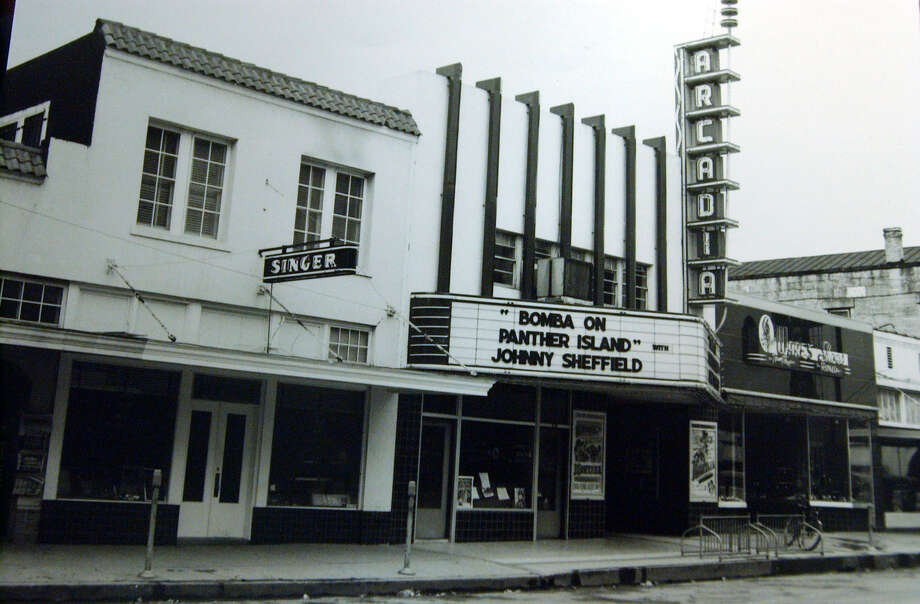 An old photograph of the Arcadia Theater in downtown Kerrville, date unknown. ( JERRY LARA STAFF ) Photo: JERRY LARA, SAN ANTONIO EXPRESS-NEWS / SAN ANTONIO EXPRESS-NEWS