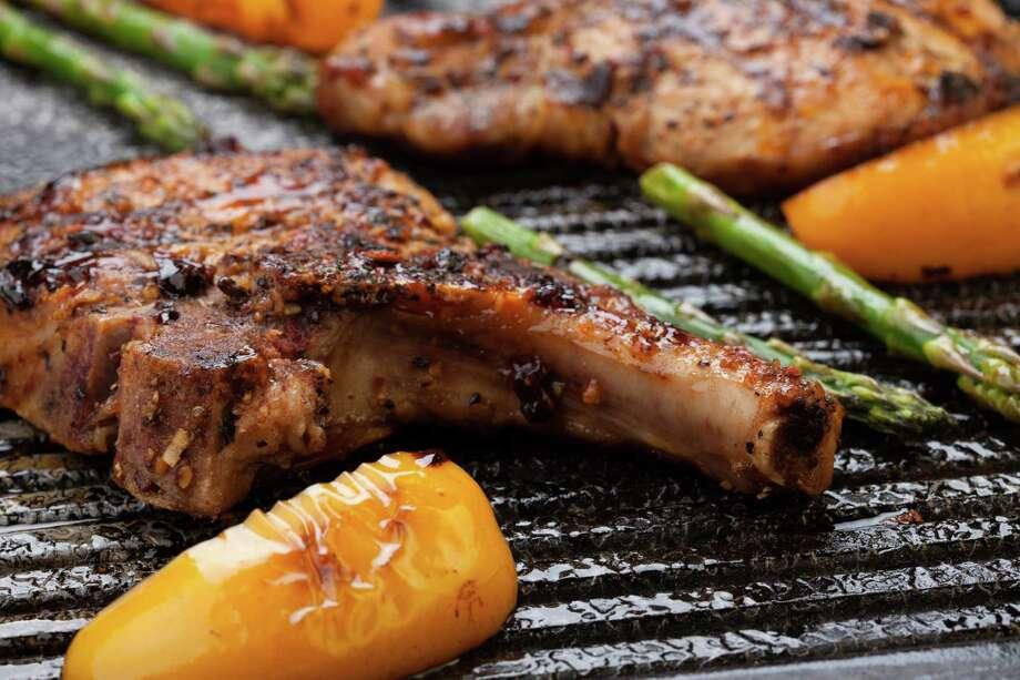 Grilled pork chops / Fotolia.com Photo: Bochkarev Photography / evgenyb - Fotolia