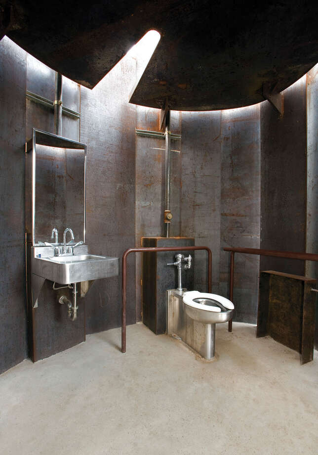 Game Of Thrones Texas Toilet In Race For America 39 S Best
