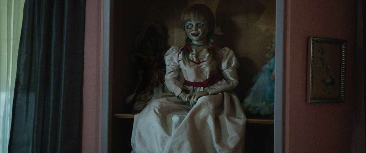 """A doll is possessed by a murderous cultist in """"Annabelle."""" Despite a hastily formed script, the flick is a fitting spinoff to """"The Conjuring."""""""