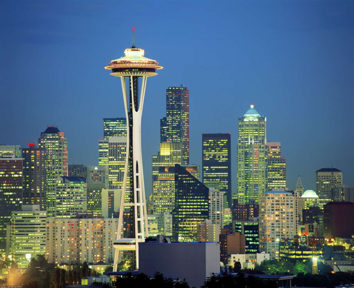 The Space Needle Located: Seattle, WashingtonHeight: 605 feetYear completed:
