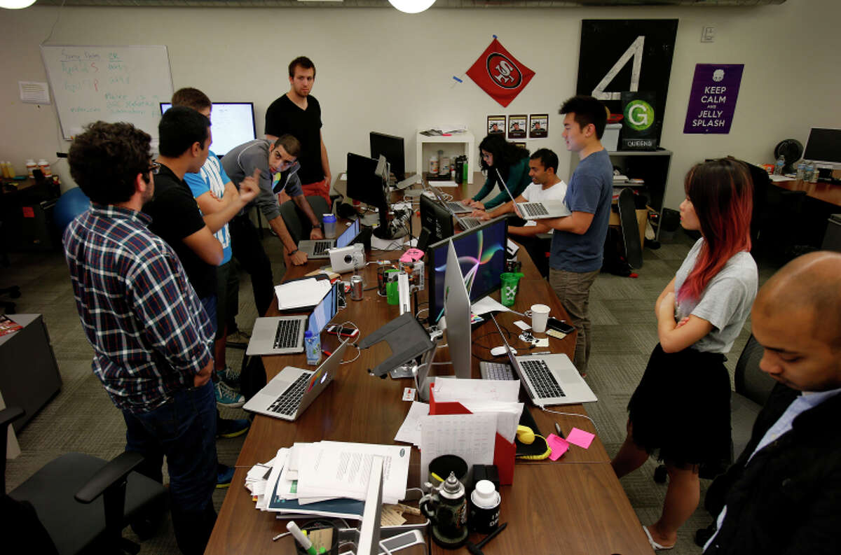 Notes from a staff meeting at Pixlee in San Francsico are compiled on the Do platform.