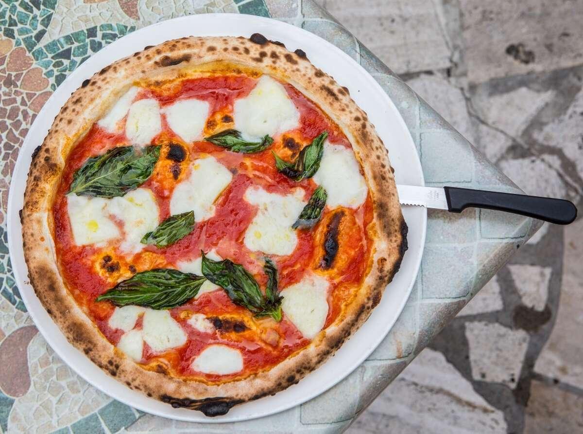 Margherita pizza at Dolce Vita