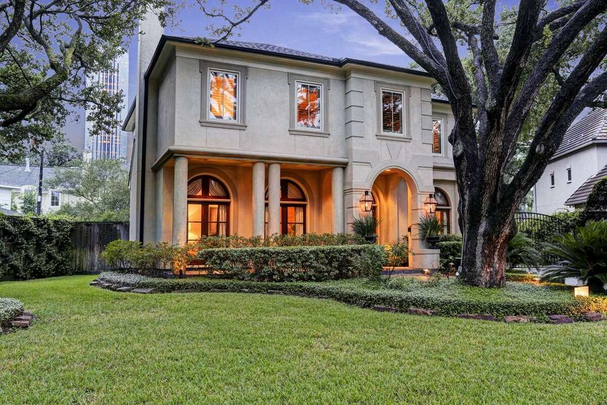 3122 Kettering : This 2003 home in Houston has 5 bedrooms, 4.5 bathrooms, 5,580 square feet, and is listed for $1,898,000. Open house: October 5, 2014 from 1 p.m. to 3 p.m.