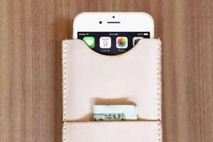 Slim and smart: Wallet-phone case hybrids answer a need - Photo