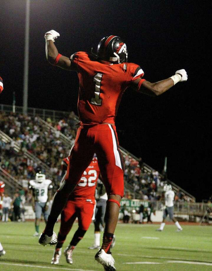 Westfield's Tyrie Cleveland (1) celebrates after his touchdown during the second half of a high school game at George Stadium, Friday, Oct. 3, 2014, in Spring. Photo: Karen Warren, Houston Chronicle / © 2014 Houston Chronicle