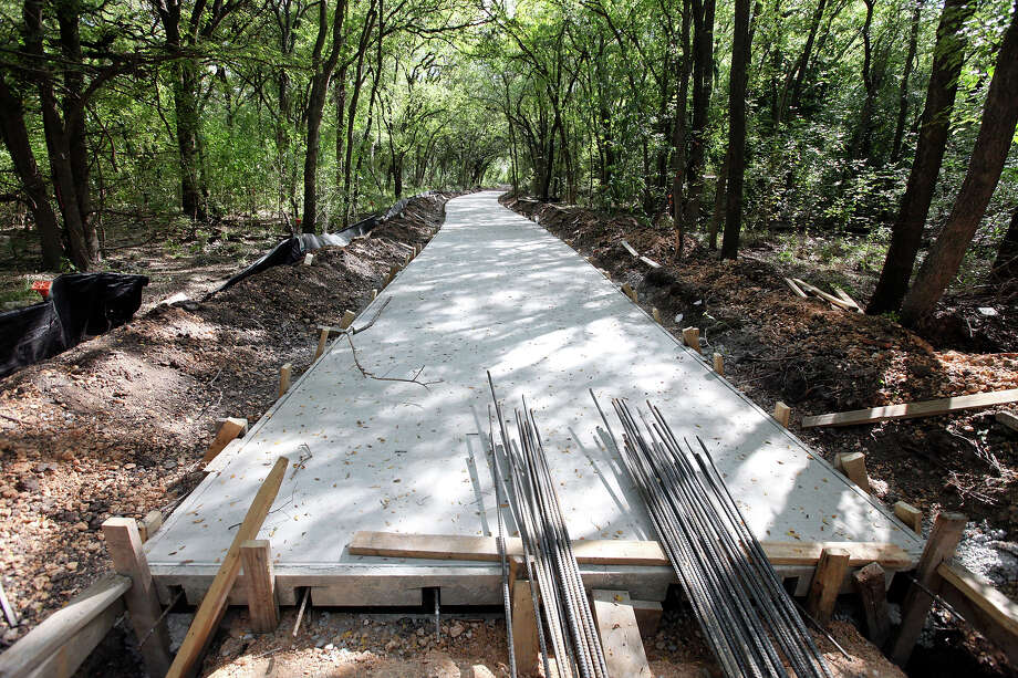 A view of the Olmos Basin Greenway Trail that is under construction Monday Oct. 6, 2014 in Olmos Park. Photo: Edward A. Ornelas, San Antonio Express-News / © 2014 San Antonio Express-News