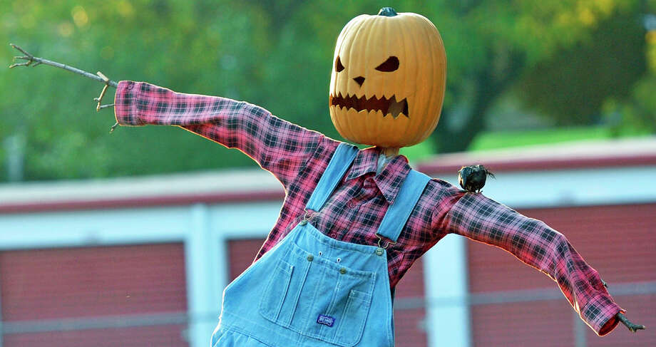 A pumpkin scarecrow Photo: Markell DeLoatch, MBR / Public Opinion