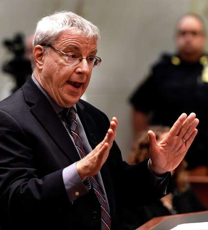 """Steven Wise, founder and president of the Nonhuman Rights Project, presents his case before the Appellate Division panel on behalf of  """"Tommy,"""" a chimpanzee Wednesday afternoon, Oct. 8, 2014, in Albany, N.Y. Wise believes the ape should be legally declared a person. (Skip Dickstein/Times Union) Photo: SKIP DICKSTEIN / 10028952A"""