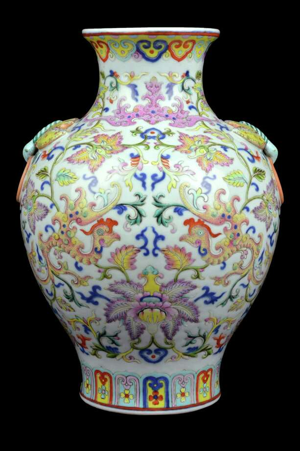 A Chinese qianlong-style doucai porcelain vase from the estate of John and Ann Hamilton sold for $930,000 at auction. / ONLINE_YES