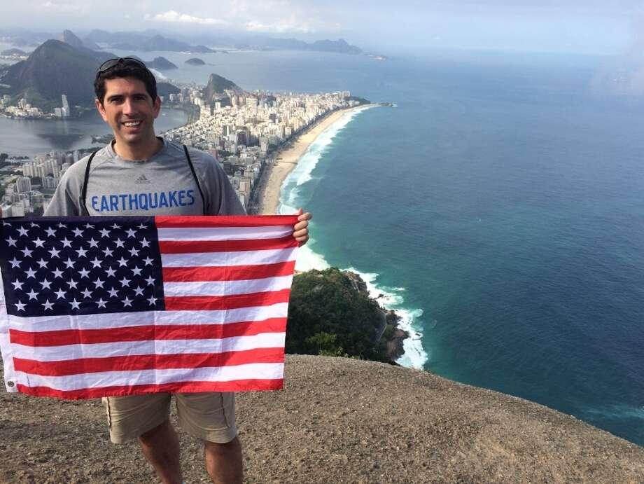Frank Stranzl at the peak of Dois Irmaos in Rio de Janeiro. / ONLINE_YES