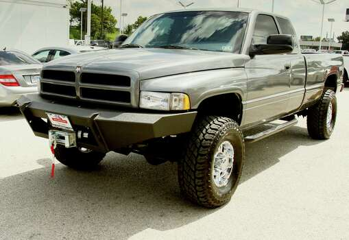 Dealership, vendors restore vet's stolen pickup truck ...
