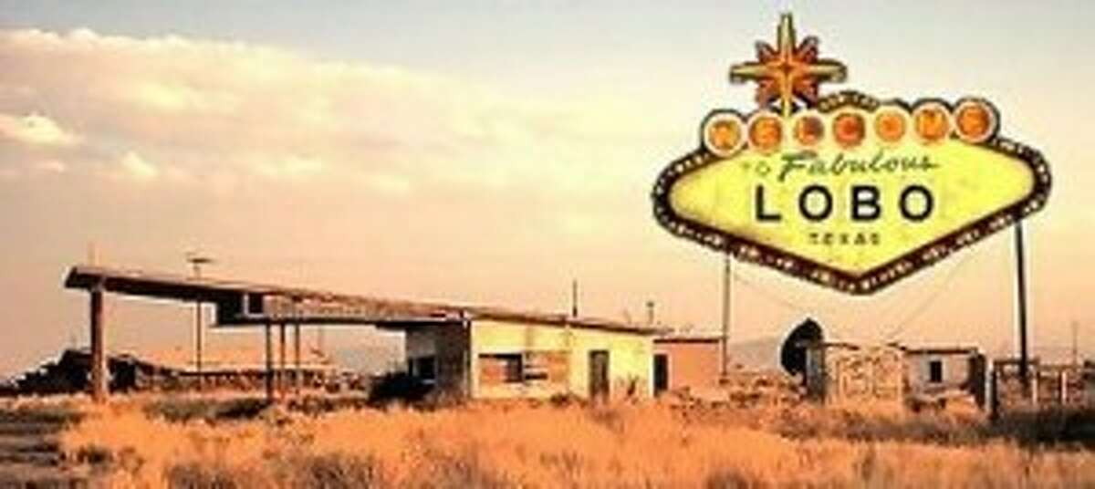 2. Lobo Considered a modern ghost town, Lobo was mostly abandoned in the late 1960s. Cotton farming was the principle crop, but when the cost of agriculture became too expensive, the town went into a rapid decline. As of1991, the city east of El Paso has been completely abandoned.