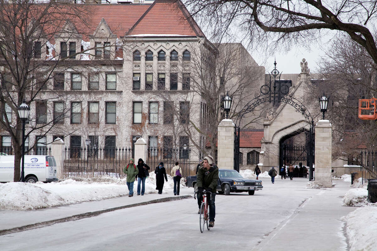 No. 15 - Best Cities for College Students Major Metro: Chicago-Joliet-Naperville, IL-IN-WIMid-Size Metro: Indianapolis-Carmel, IN Small Metros: Provo-Orem, UT College Towns: Bloomington, IN Source: American Institute for Economic Research