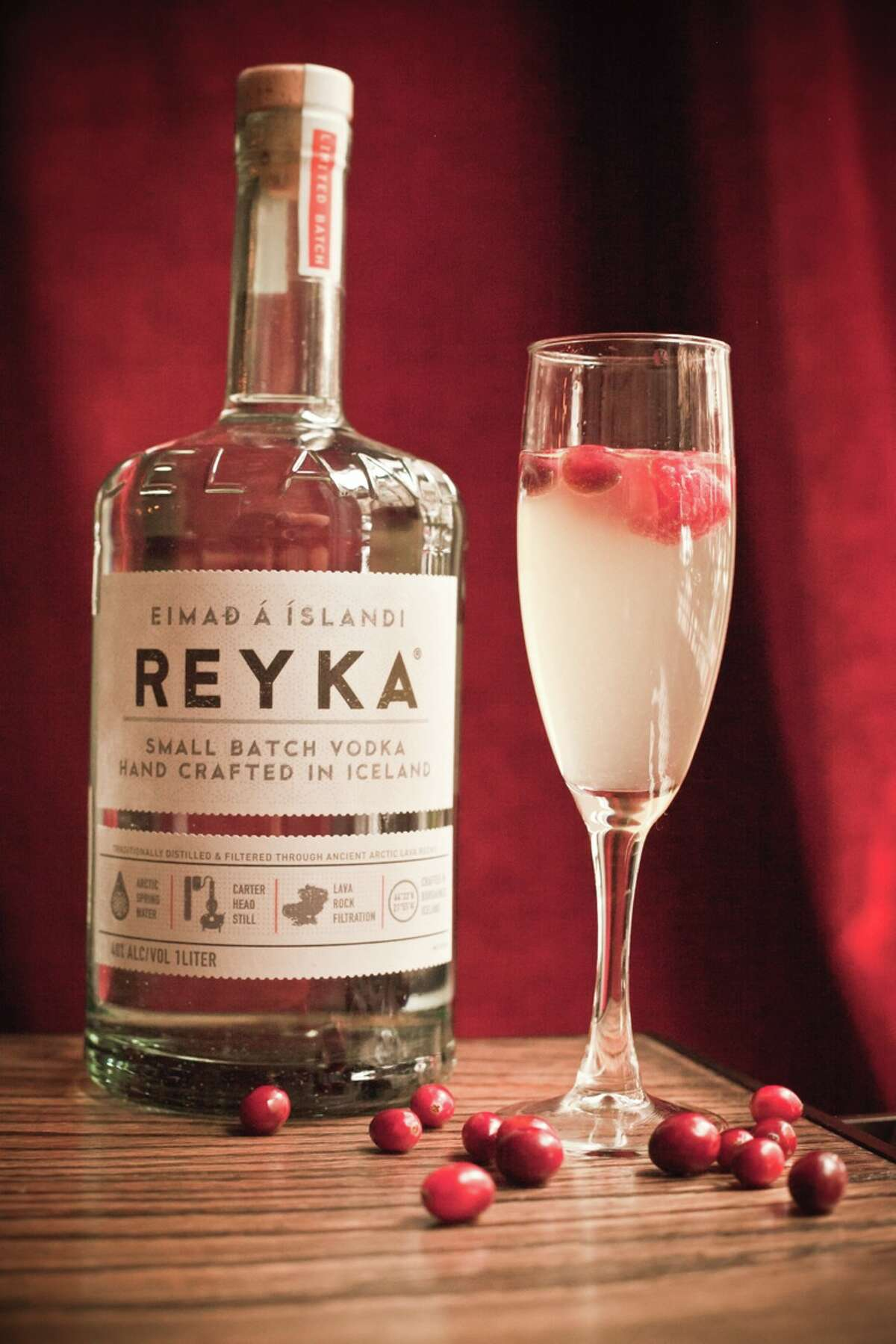 Streak 75 It's not fall anymore but Reyka is here to help you feel like it is. A perfect mix of vodka and champagne will help warm you up this holiday season. Make sure you bedazzle this beauty with some tasty cranberries.