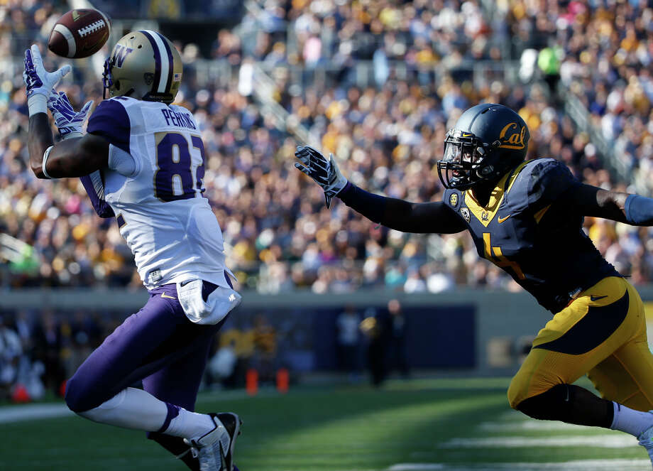 Cal's defense struggled all season, allowing averages of more than 500 yards per game and nearly 40 points per game. Photo: Stephen Lam / Getty Images / 2014 Getty Images