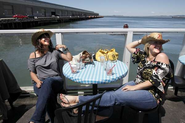 Pier 23 Cafe (Pier 23, S.F.): Waterfront dining and drinks, plus live music.