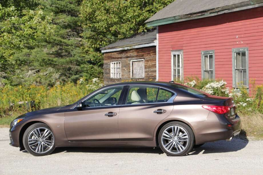Infiniti Q70, M35, other modelsModel year being recalled: 2013-15Number of vehicles being recalled: 6,562Reason for recall: Software error that could cause unexpected acceleration.