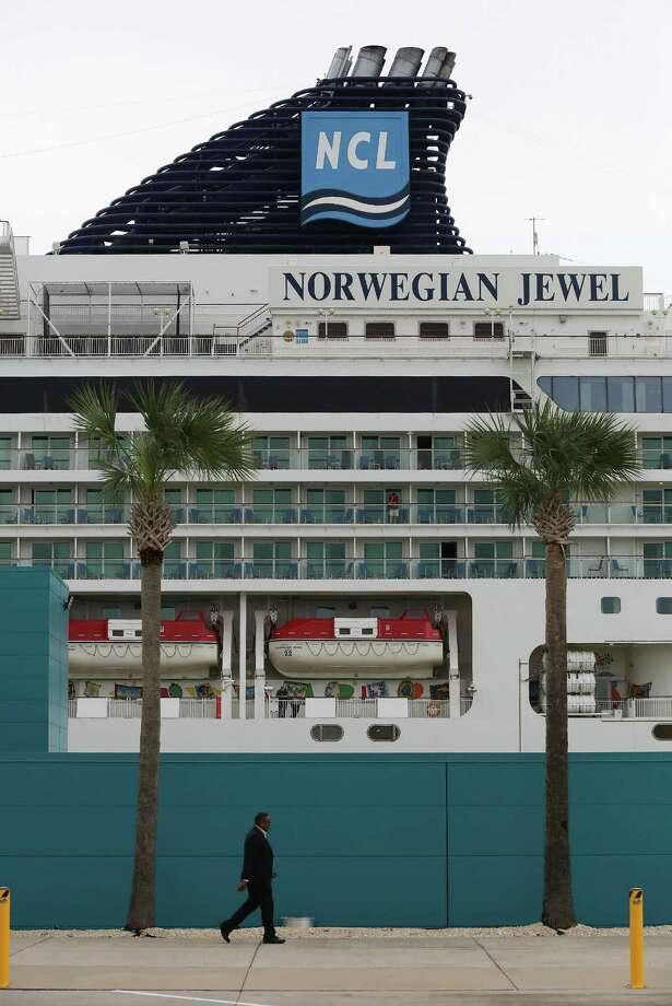 The Norwegian Jewel at the Bayport Cruise Terminal at the Port of Houston. The Norwegian Jewel has 16 restaurants and 13 bars/clubs, a spa, library and casino. Photo: Thomas B. Shea / © 2014 Thomas B. Shea