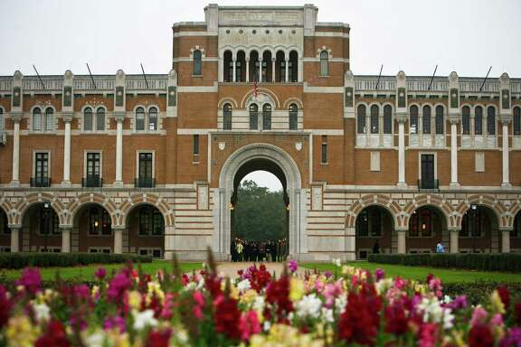 Lovett hall on the Rice campus Tuesday, Dec. 16, 2008, in Houston, TX. ( Michael Paulsen / Chronicle )