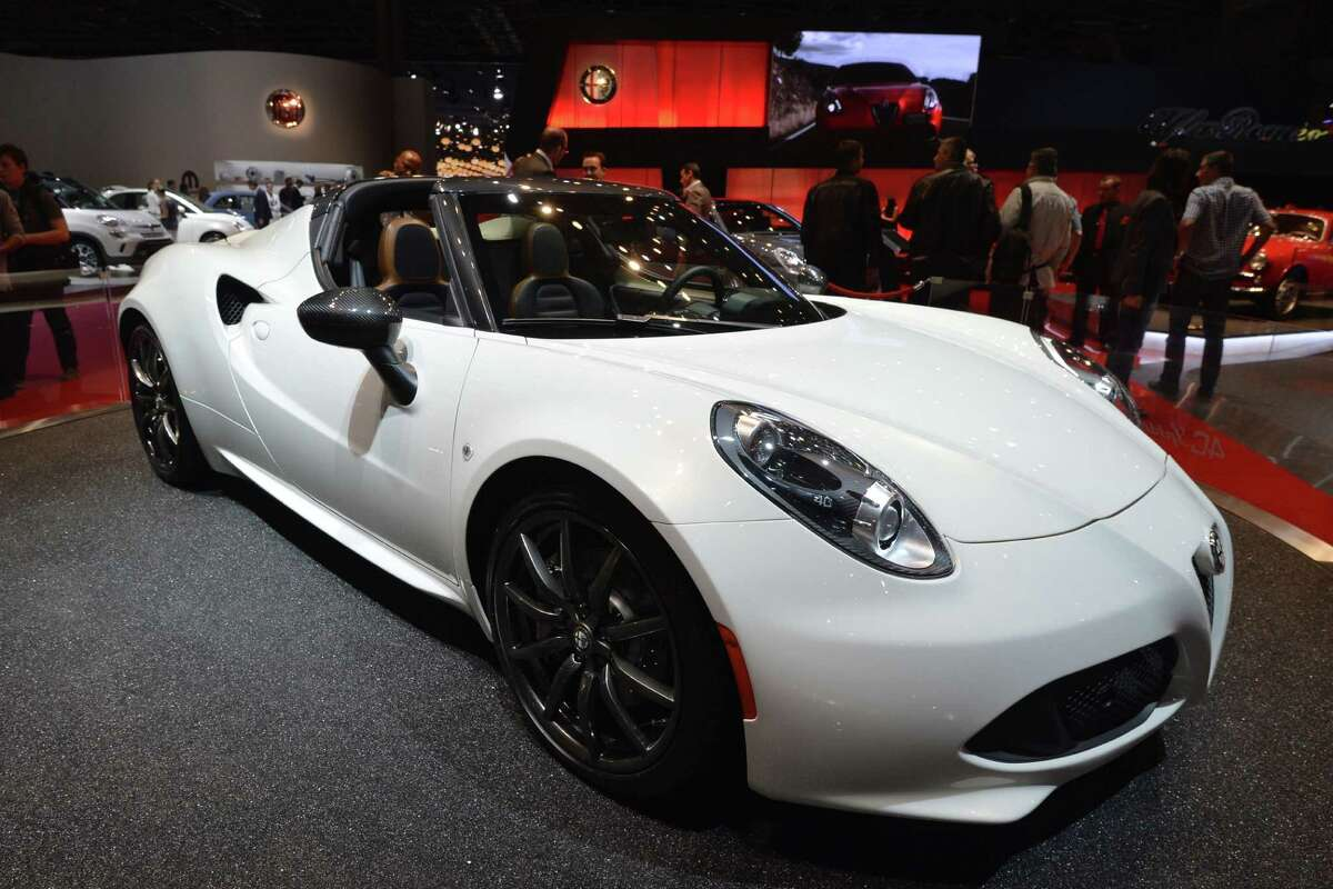 Area Dealership Will Be One Of First To Bring Back Alfa Romeo - Alfa romeo 4c houston
