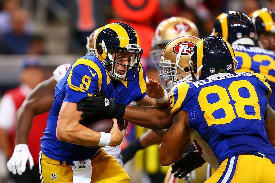 ST LOUIS, MO - OCTOBER 13:   Austin Davis #9 of the St. Louis Rams runs the ball against the San Francisco 49ers in the third quarter at Edward Jones Dome on October 13, 2014 in St Louis, Missouri.  (Photo by Dilip Vishwanat/Getty Images) Photo: Dilip Vishwanat, Getty Images