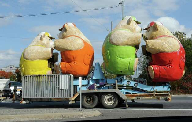 A truck carrying four very large bears is seen on an exit ramp off I-87 north  Tuesday, Oct. 14, 2014, in Clifton Park, N.Y. (Lori Van Buren / Times Union) Photo: Lori Van Buren