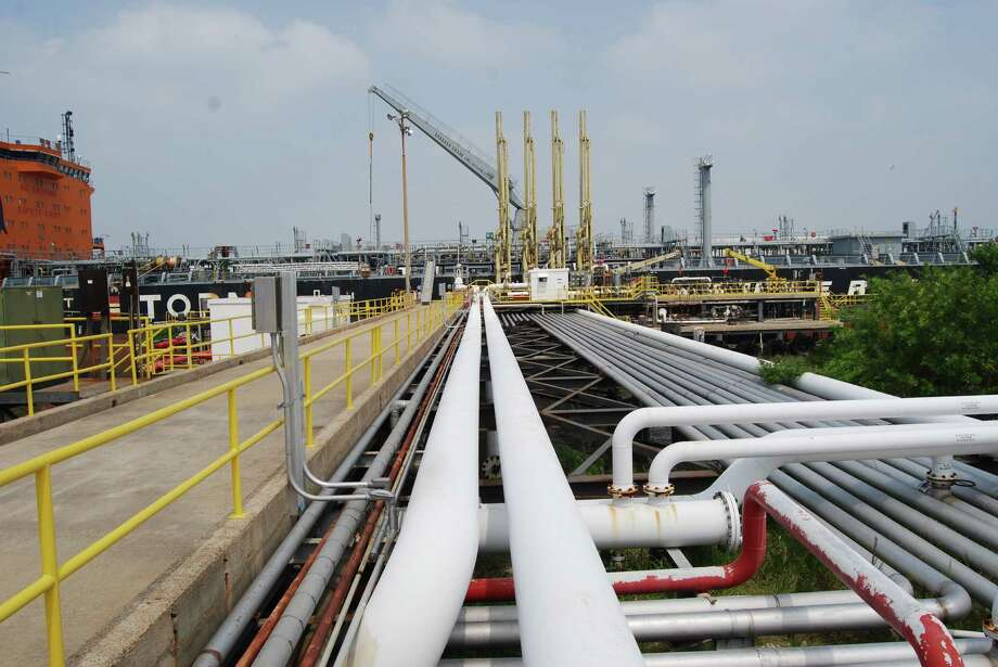 Kinder Morgan Inc., which owns this terminal in Pasadena as part of  a continent-wide midstream network, expects continued growth despite slumping oil and gas prices.  (Kinder Morgan photo) Photo: Kinder Morgan